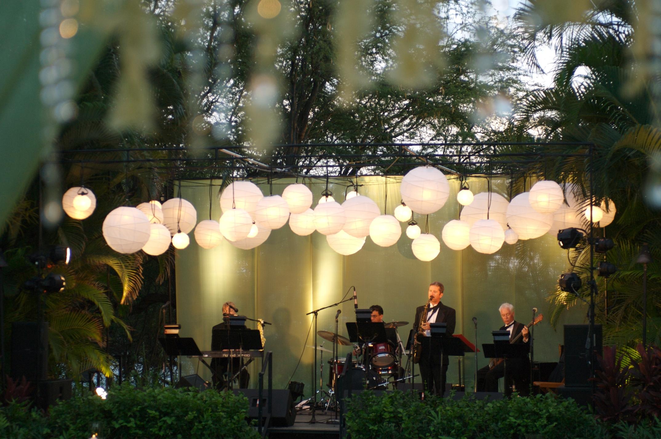 Lights and band