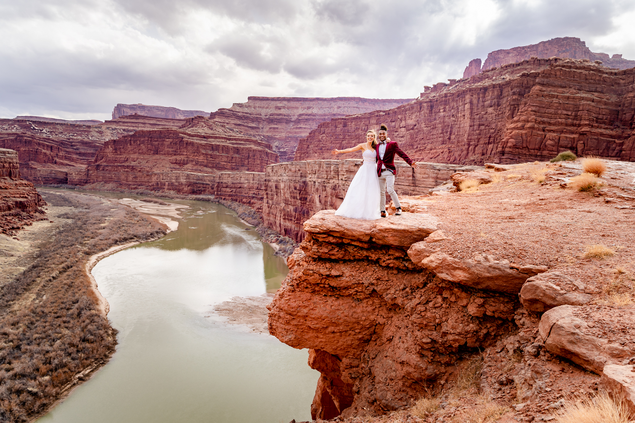 Couple in a canyon