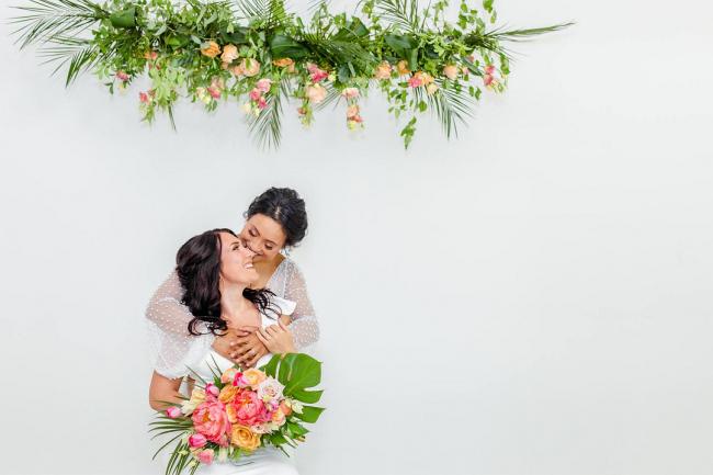 Brides and tropical florals